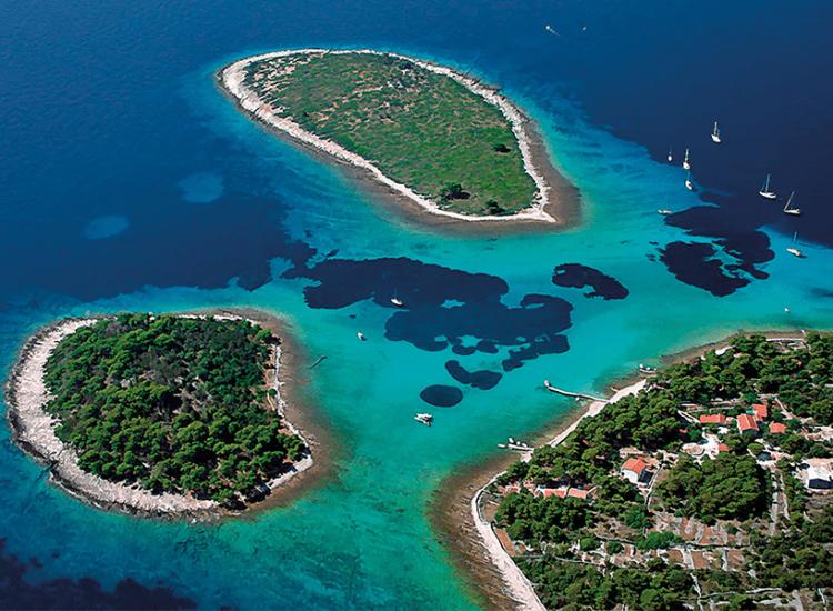 Blue lagoon slika u tekstu